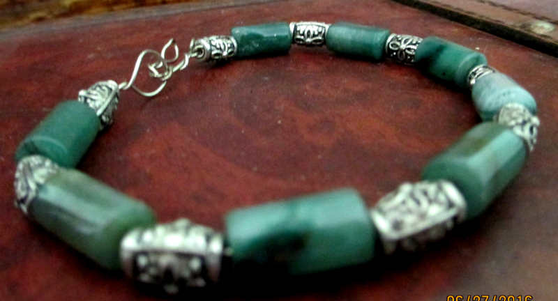 side view of aventurine simple wire bracelet