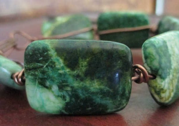 side view of chrysocolla simple wire bracelet